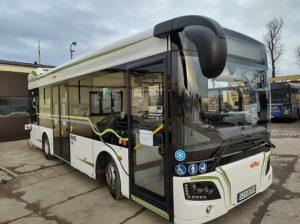 Autobus elektryczny.
