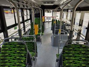 Wnętrze autobusu elektrycznego.